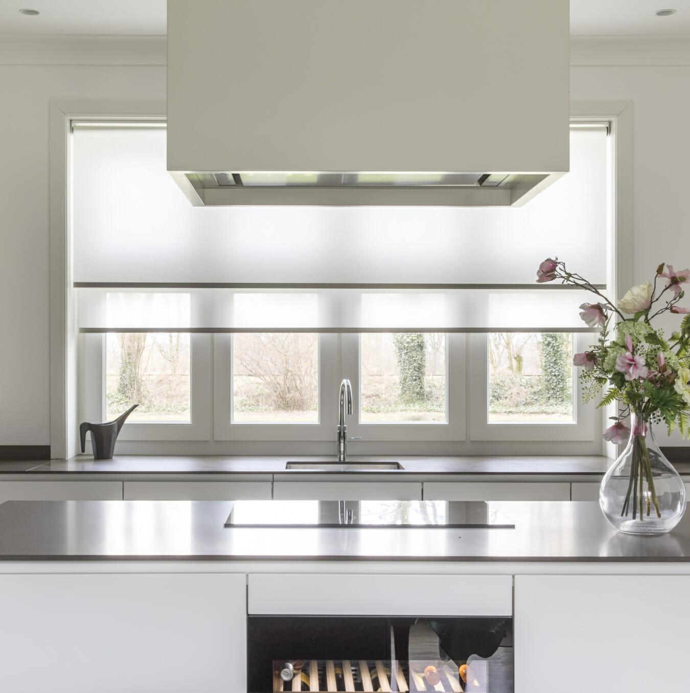 rolgordijnen keuken